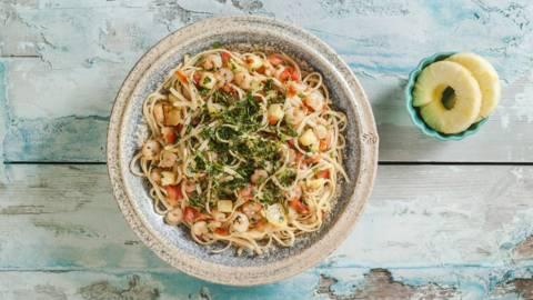 Γαρίδες με λιγκουίνι και ανανά