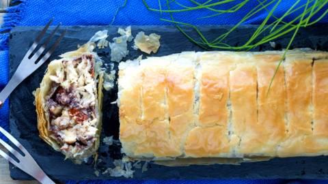 Πίτα ρολό με φύλλο κρούστας και κοτόπουλο