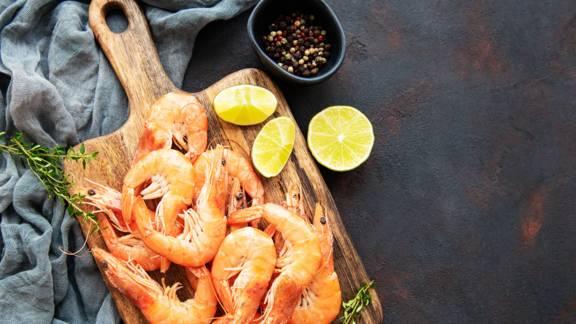 Ψητές γαρίδες με γευστικό ντιπ