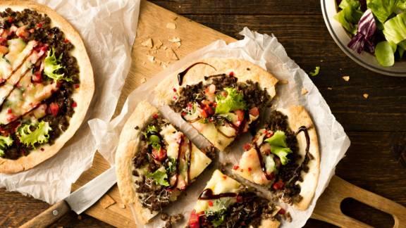 Τορτίγιες με κιμά και τυρί