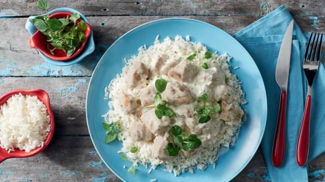 Στήθος κοτόπουλου με γιαούρτι και ρύζι