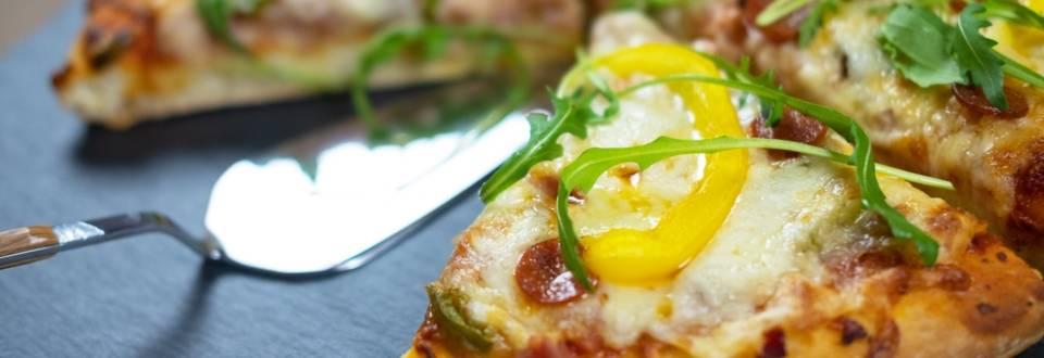Πίτσα με σπιτική ζύμη αργής ωρίμανσης