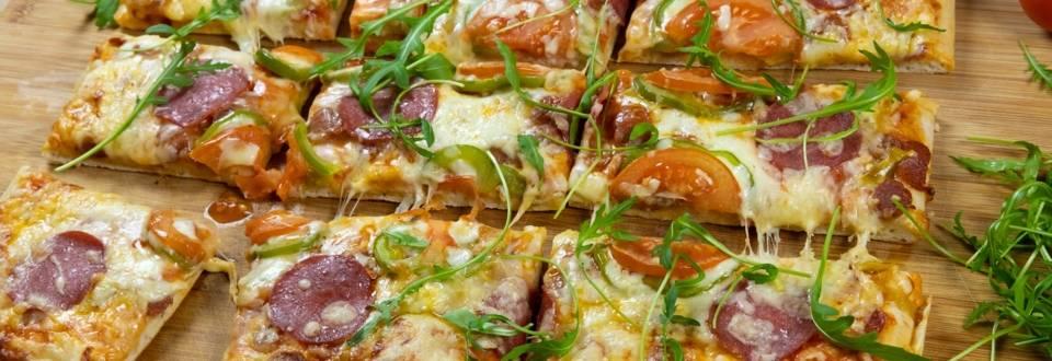 Εύκολη και γρήγορη πίτσα